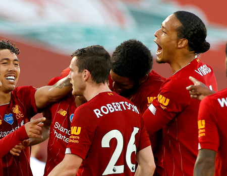 Μanchester United meets Liverpool